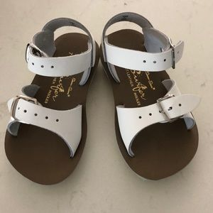 BNWT Salt Water Sandals by Hoy Toddler Size 7